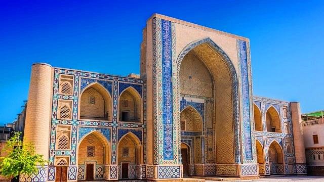 Uzbequistao-Bukhara-Mesquita-Poi-Kalan-Acp-Viagens