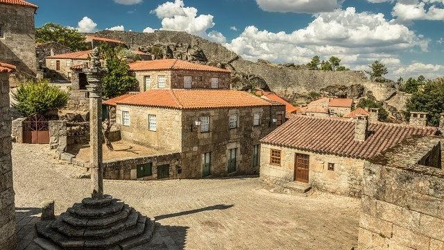 Portugal-Sortelha-Pelourinho-Acp-Viagens