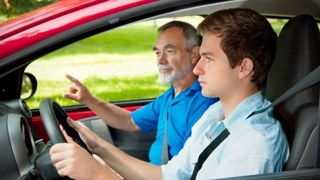 Carta de condução: 7 passos para escolher a melhor escola