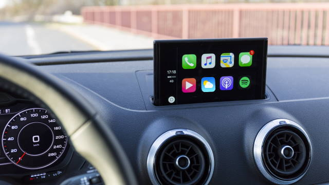 Vantagens e desvantagens do Android Auto e Apple CarPlay