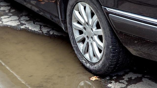 ACP - Um buraco na estrada danificou o meu carro. E agora?