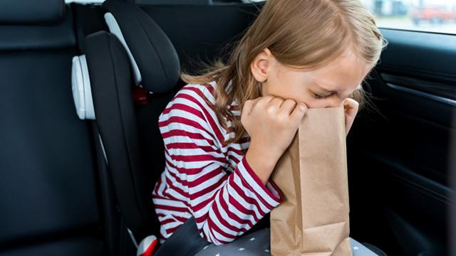 ACP - Dicas para evitar o enjoo em viagem de carro