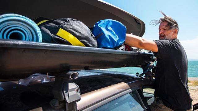 Transportar bagagem no carro em segurança