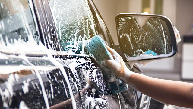 Produtos e dicas para limpar o carro