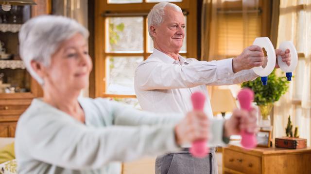 ACP-Saude-Dicas-Uteis-Exercicio-fisico-em-casa-Seniores-lista