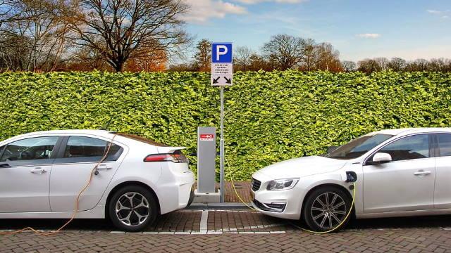 ACP-condutor-em-dia-o-essencial-sobre-baterias-de-carros-eletricos