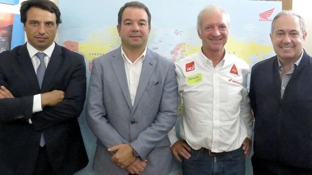 ACP Noticias - Volta ao Mundo em 800 dias. Francisco Sande e Castro lança livro sobre viagem