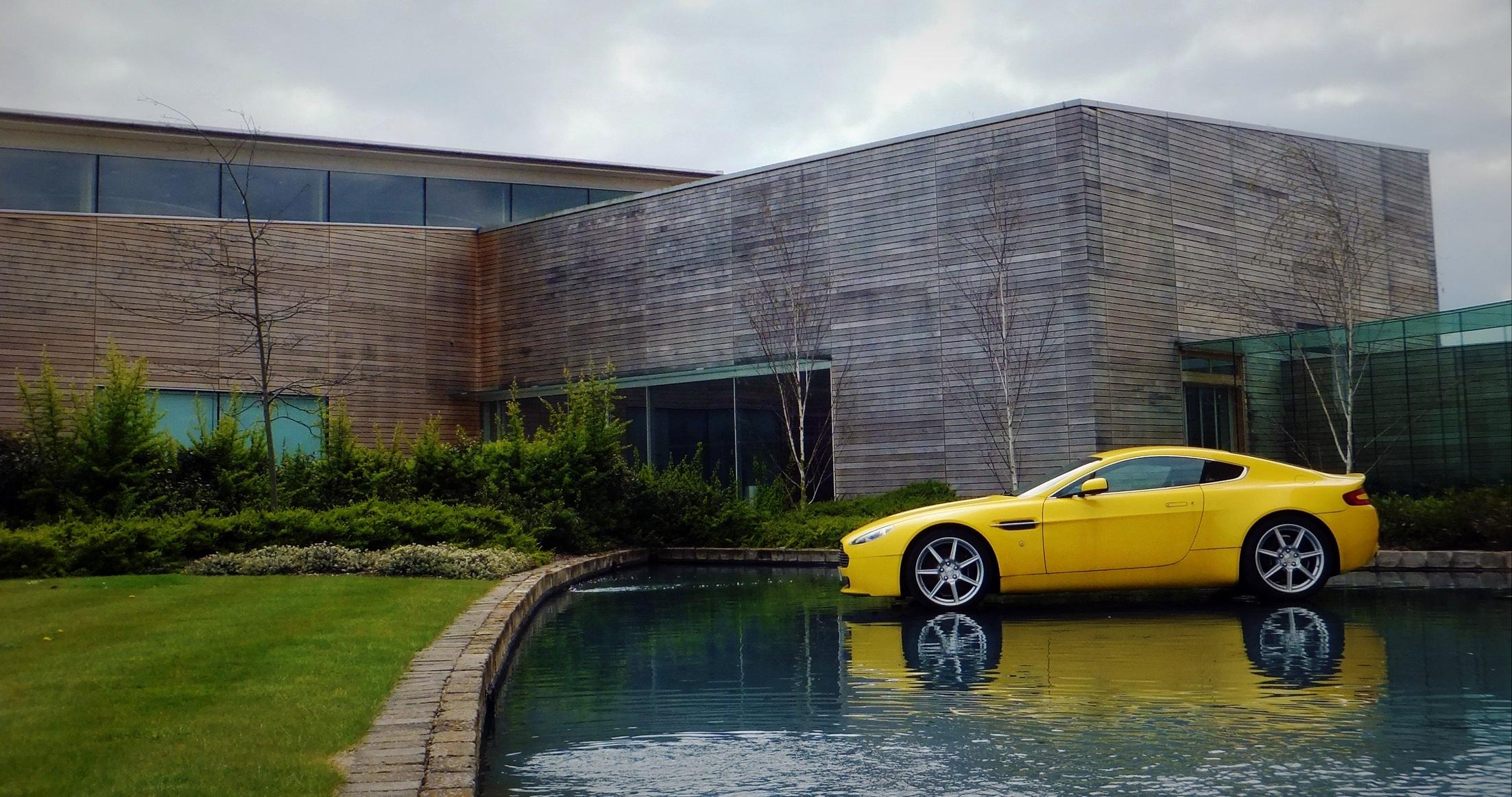 Aston Martin_imob