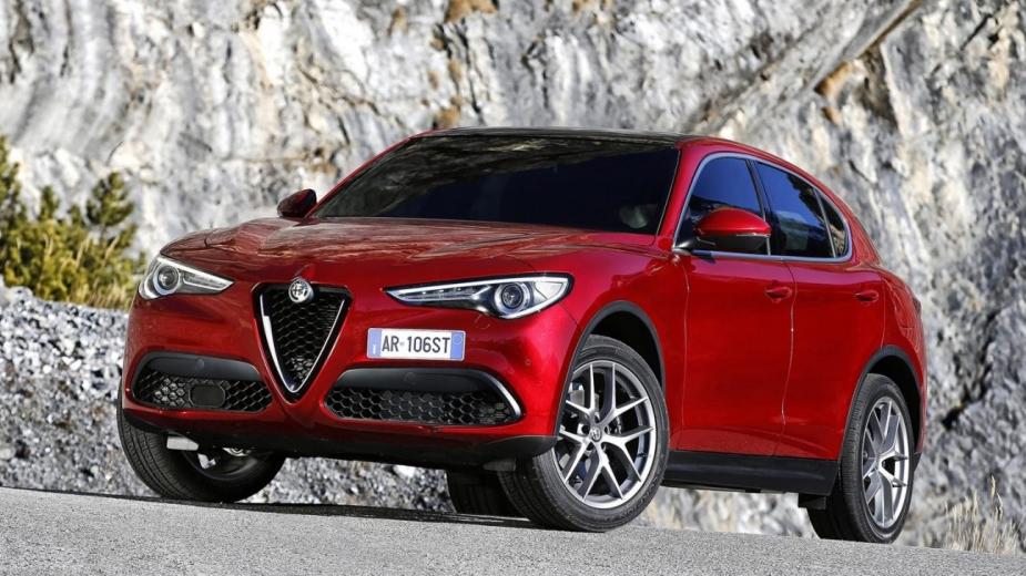 2017 Alfa_Romeo_Stelvio