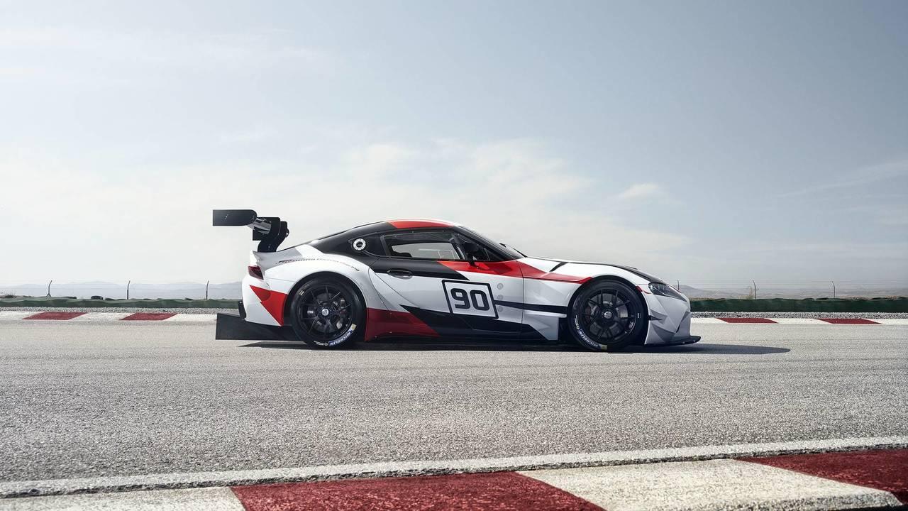 Toyota_gr_supra_racing