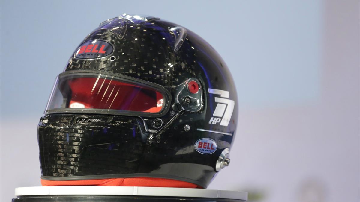 FIA capacete