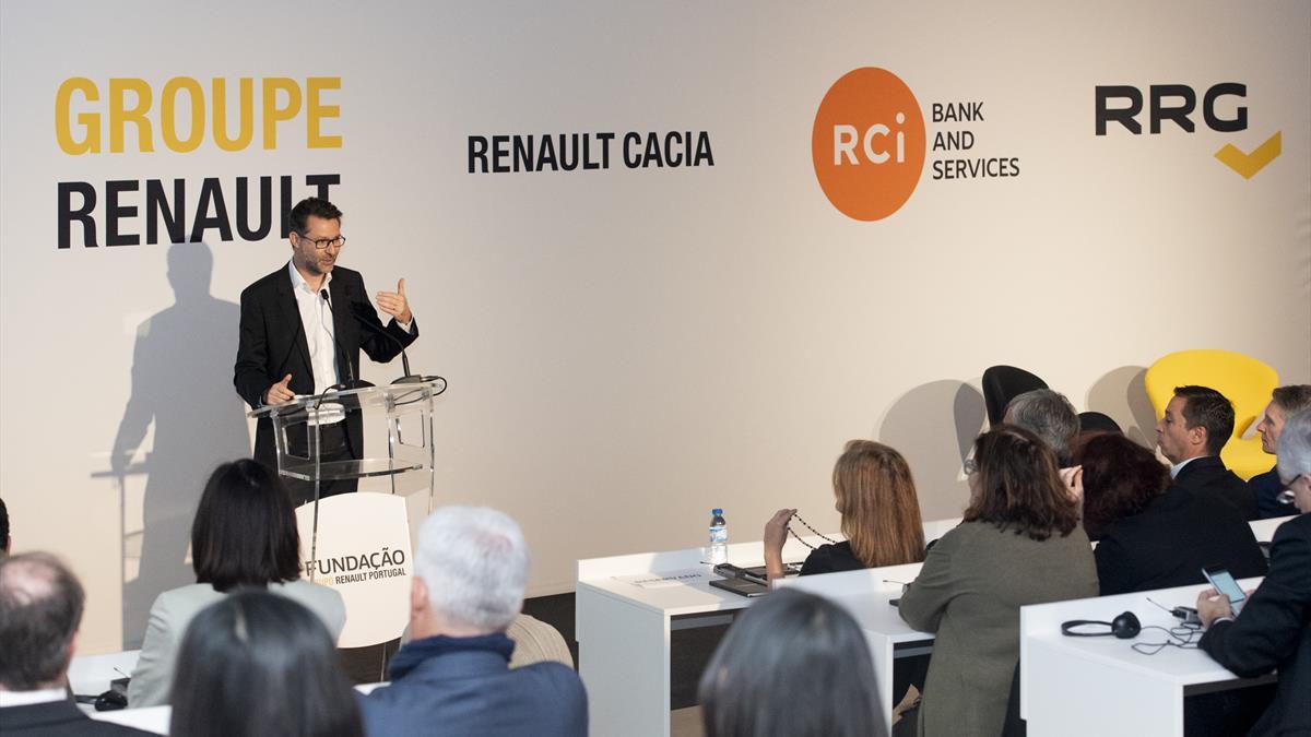 Fundacao Grupo_Renault01