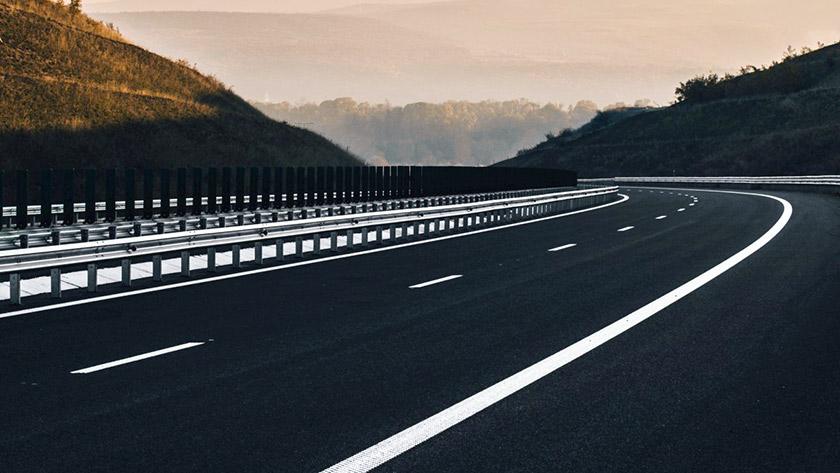 autoestrada-vazia