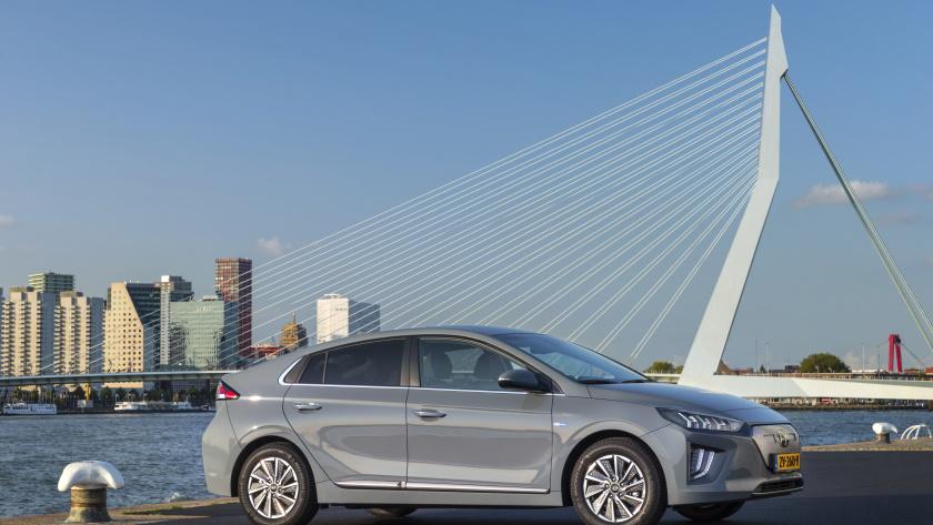 Hyundai-Ioniq-EV-840