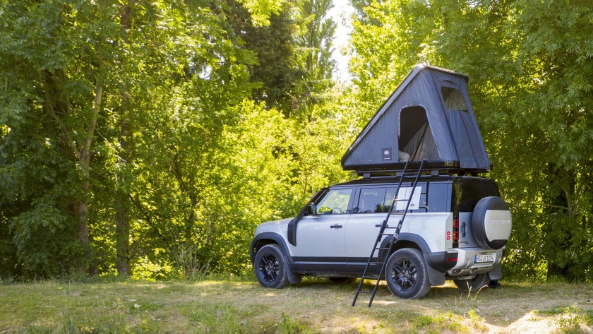 Land-Rover-Defender-840