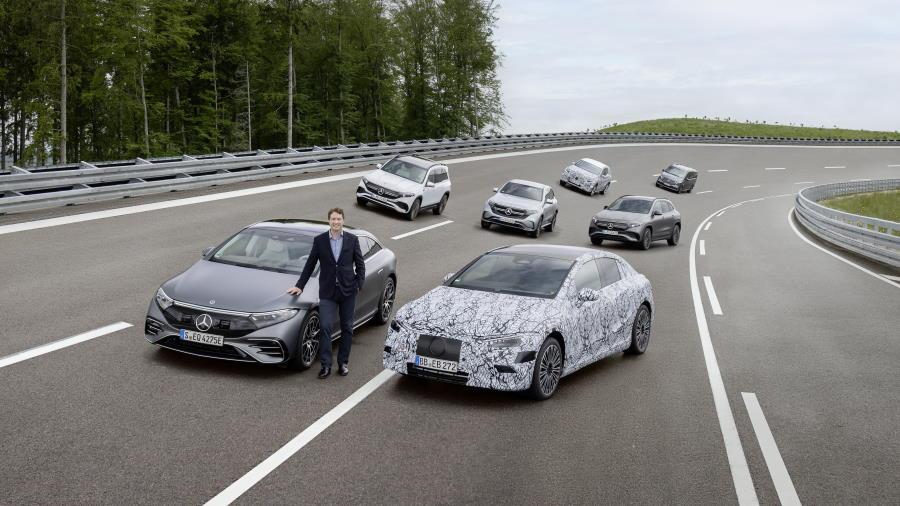 eletricos-Mercedes-Benz-900
