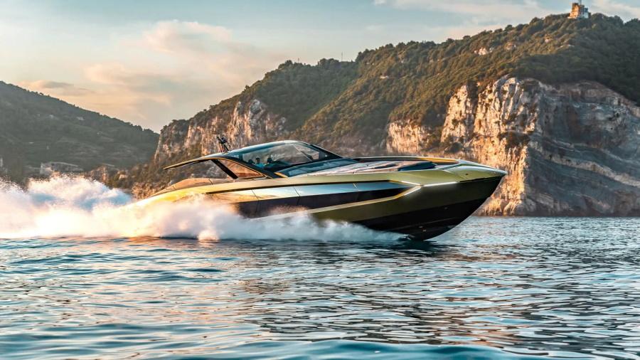 Iate-Lamborghini-900