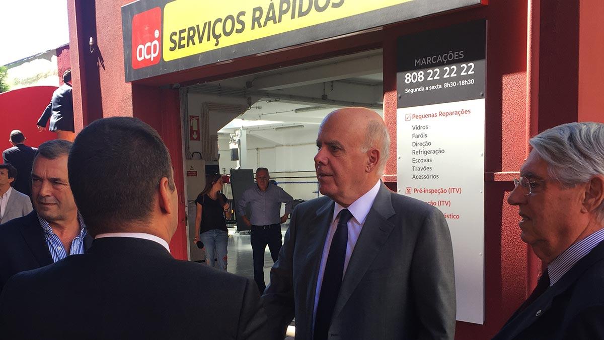 Carlos Barbosa na oficina dos Serviços Rápidos do Porto