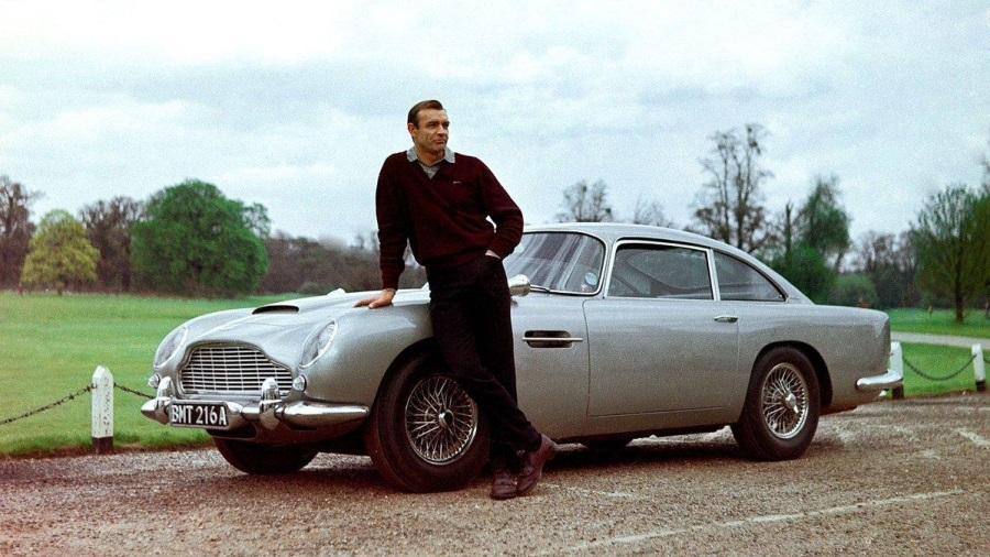 Aston-Martin-007-900