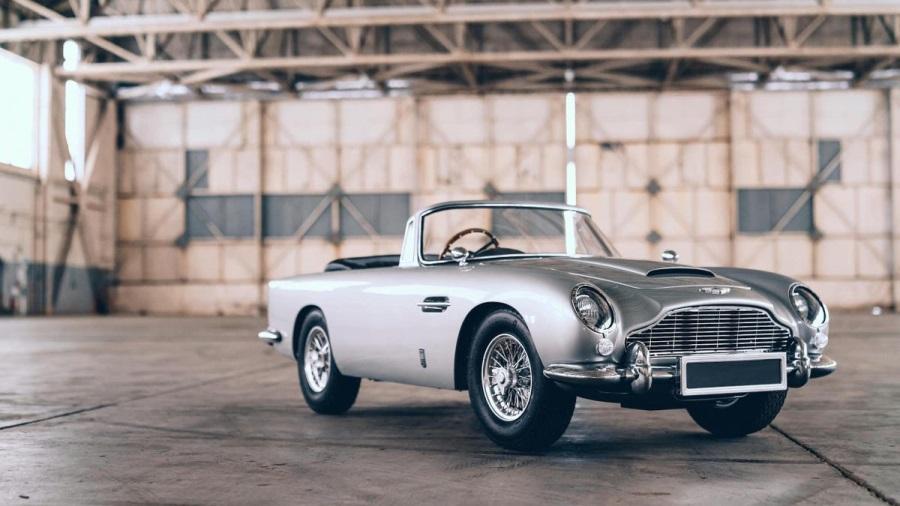 Aston-Martin-DB5-Junior-900