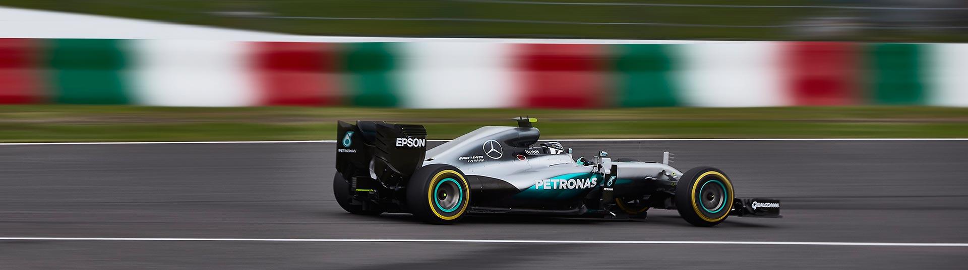 Rosberg vence no Japão