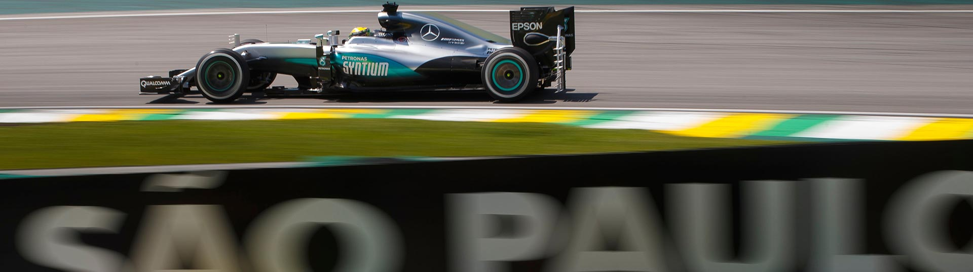 Lewis Hamilton vence GP do Brasil de F1