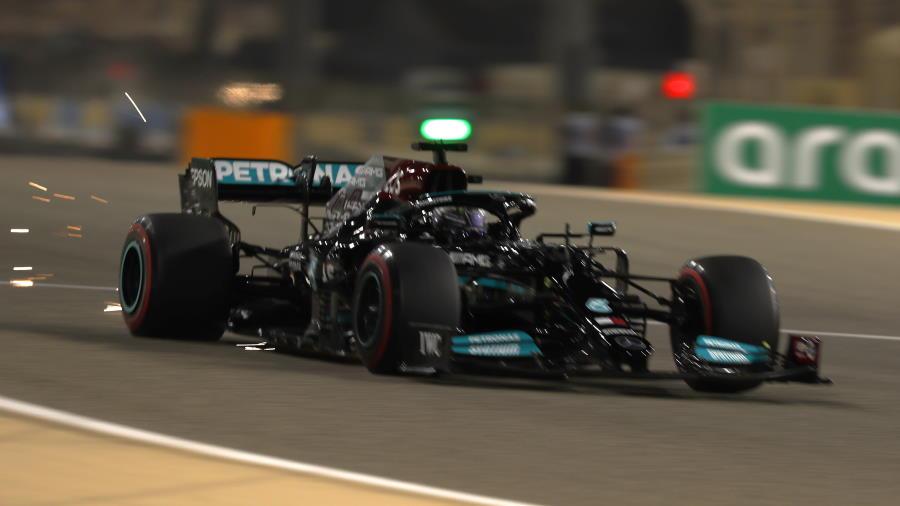 Hamilton-Bahrain-1-900