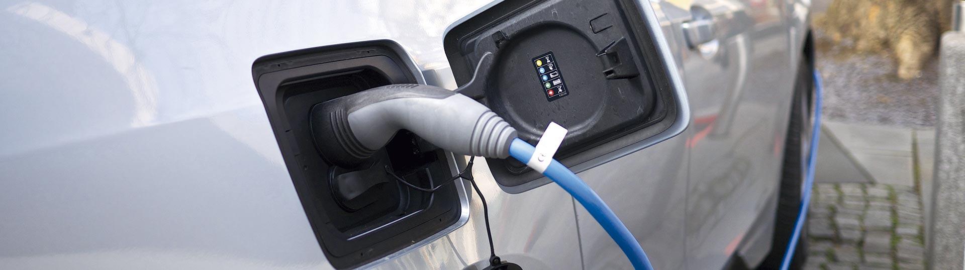 BMW i3_charging_port