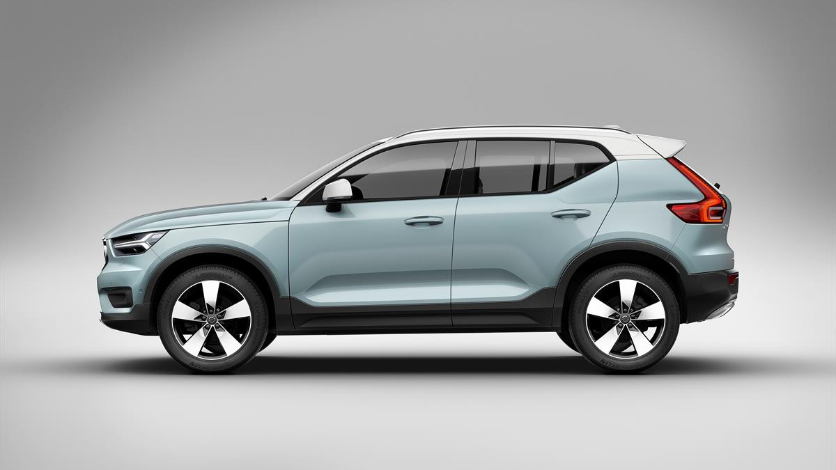 New Volvo_XC40_1