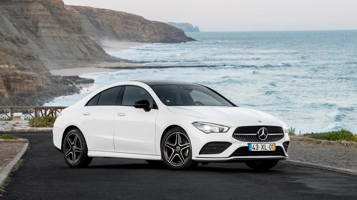 Mercedes CLA_Coupe_Abertura