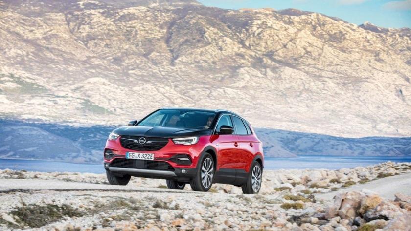 Opel-Grandland-X-Hybrid4-840