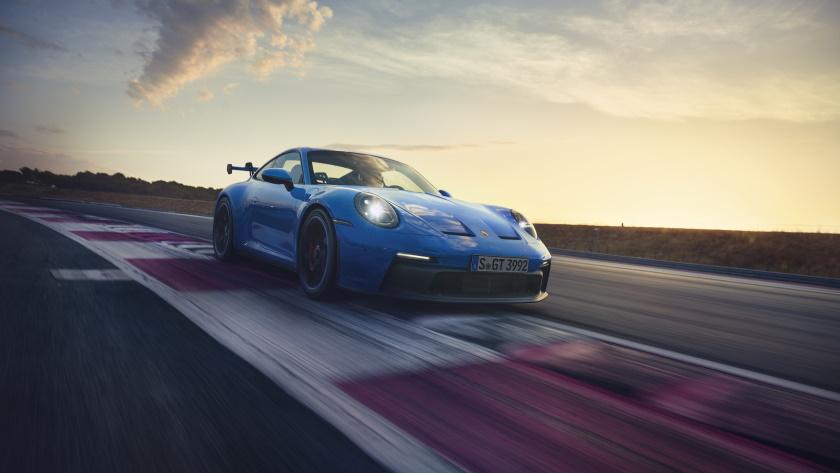 Porsche-911-GT3-4-840