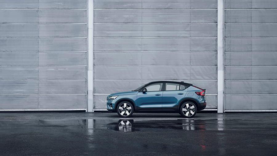 Volvo-C40-Recharge-abertura-900