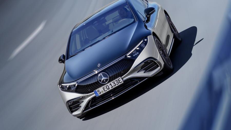 Mercedes-EQS-abertura-900