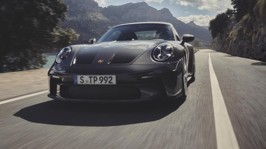 Porsche-1-900